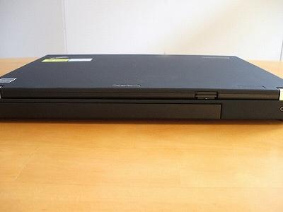 Thinkpad X200sの背面