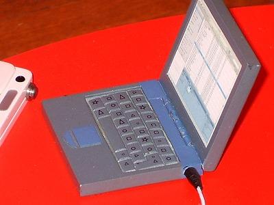 どーもくんの番組に使われているパソコン拡大