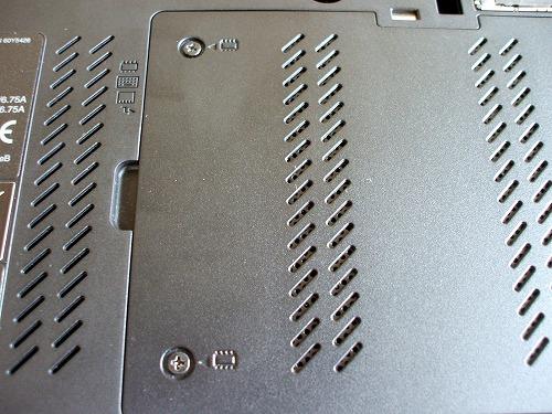T510 メモリスロットのカバー