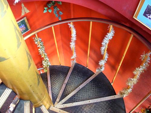 サームロット 階段