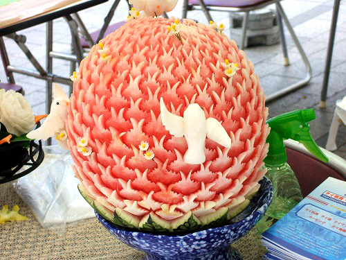 フルーツの彫刻