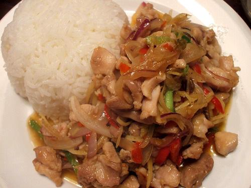 鶏肉と生姜炒め