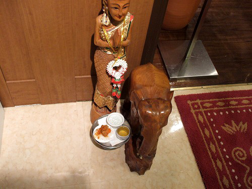 サワディー人形