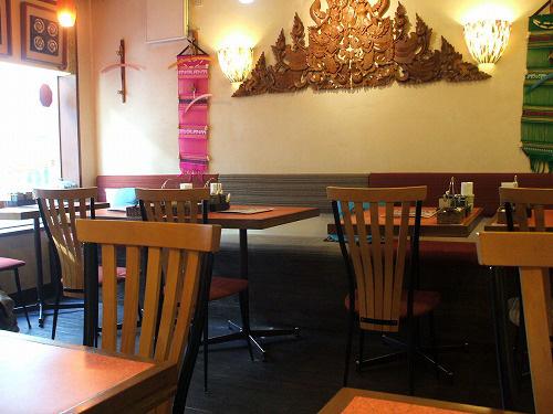 アジアの味の店内