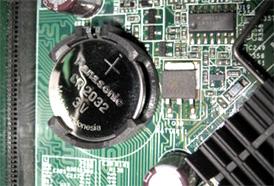 デスクトップPC 筐体内のボタン電池