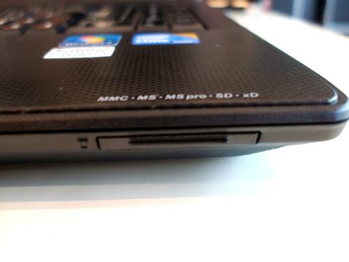G560 メディアカードスロット