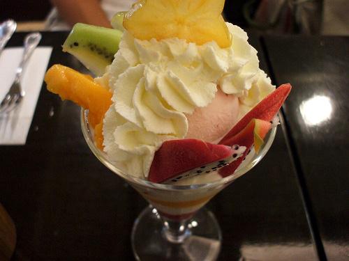 フルーツヨーグルトパフェ