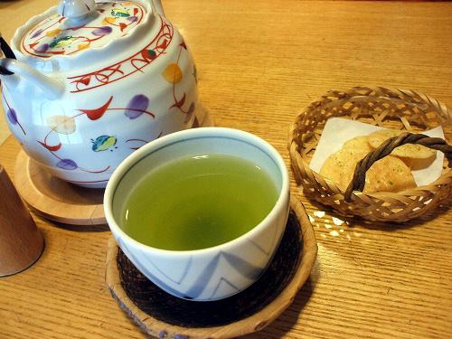 お茶とおかき
