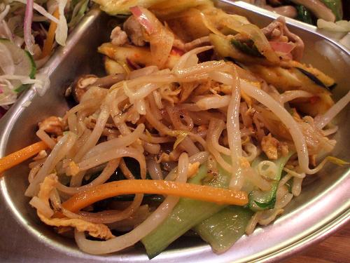 パッタイと茄子&豚肉のピリ辛サラダ
