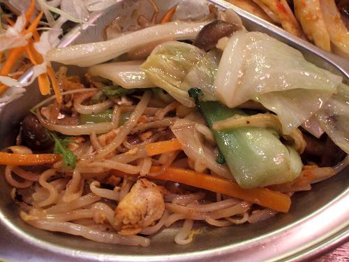 パッタイと野菜炒め