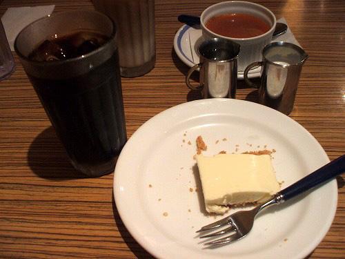 レアチーズとコーヒー