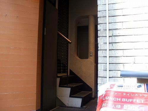 ビルの入り口