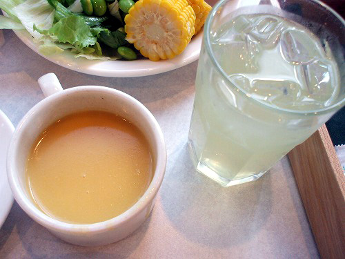 コーンスープやジュース