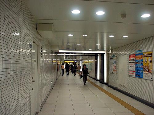 池袋駅の地下