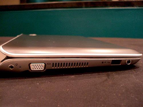 HP Mini 210-2000 左側面
