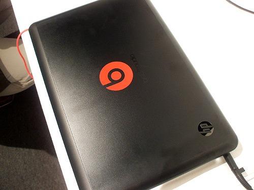 HP ENVY14 Beats Edition のトップパネル