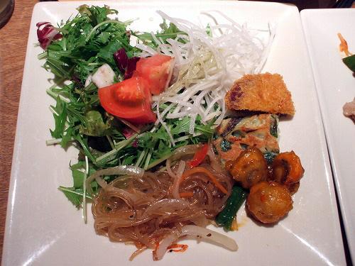 野菜や韓国お惣菜