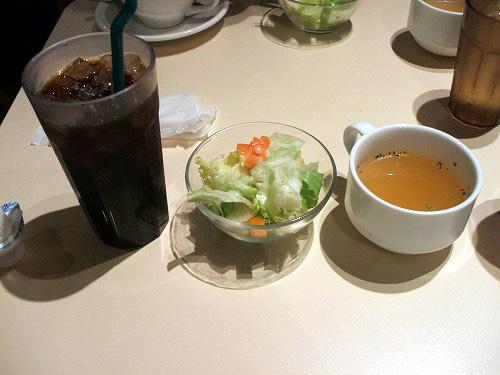 ドリンクとサラダ・スープ