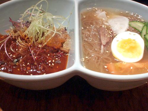 冷麺のハーフ&ハーフ
