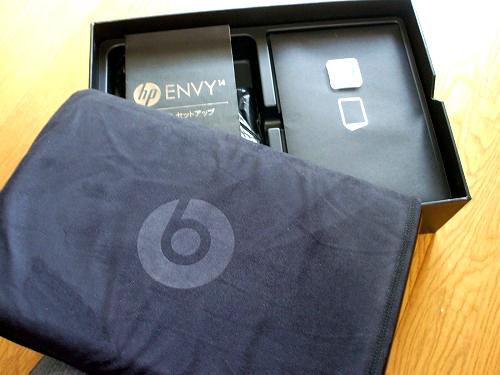 HP ENVY14 箱の中身