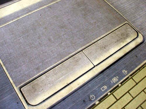 IdeaPad広告のタッチパッド