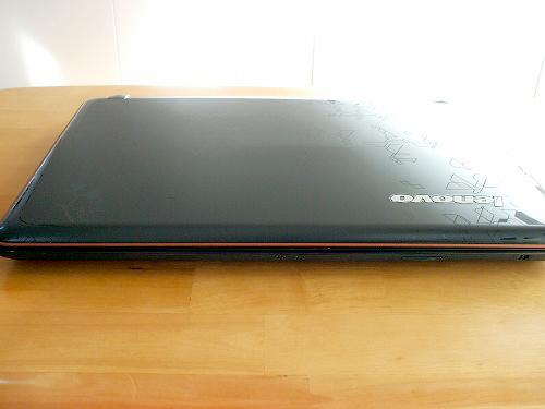 IdeaPad Y560 前面