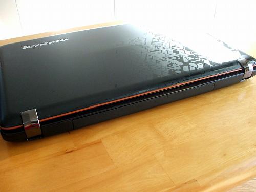 IdeaPad Y560 背面