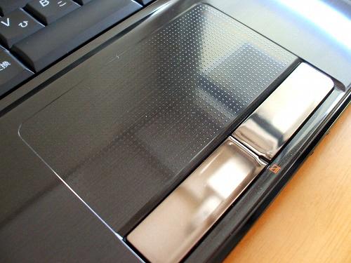 IdeaPad Y560 タッチパッド