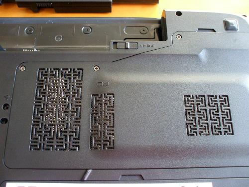IdeaPad Y560 スロット