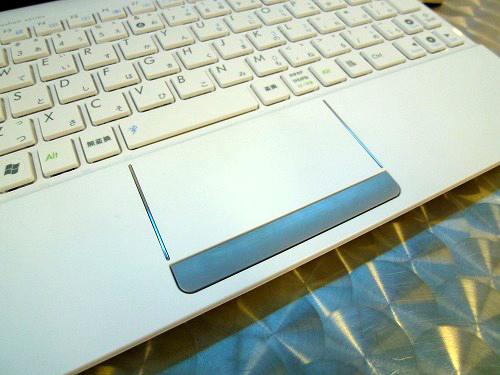Eee PC 1015PEMのタッチパッド