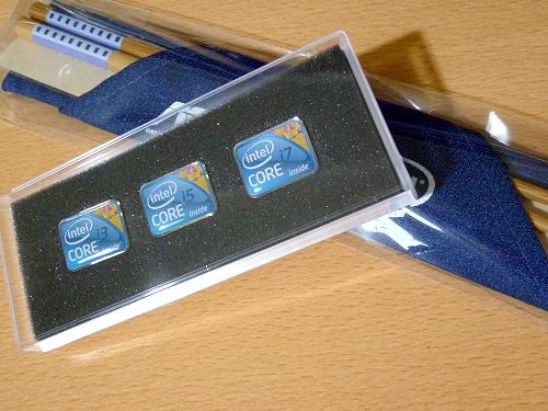 インテルのピンバッジとASUS×Intelのオリジナル竹マイ箸セット