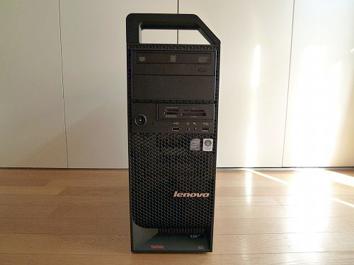 ThinkStation S20 前面