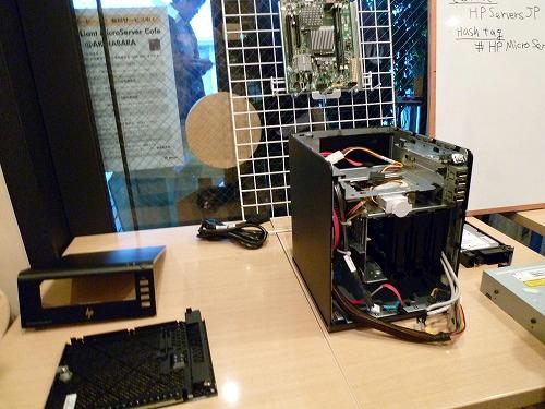 HP ProLiant MicroServerを分解