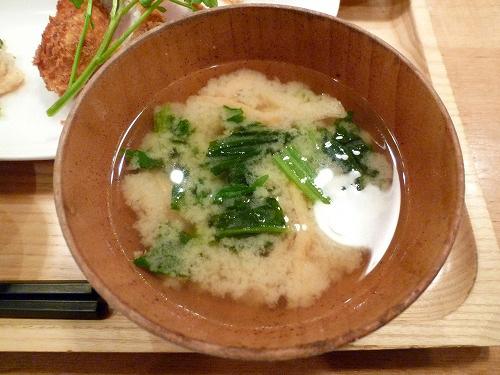 青菜と油揚げの味噌汁