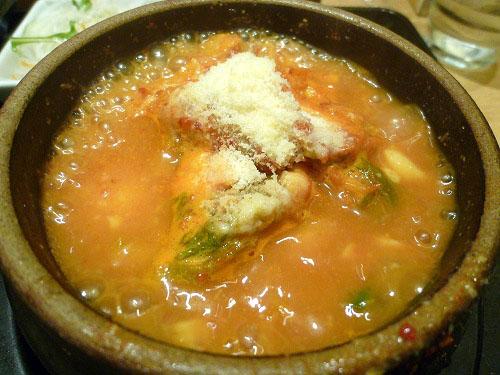 牡蠣の味噌チーズスンドゥブ 沸騰中