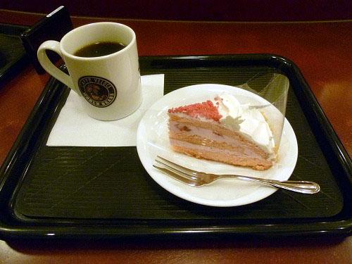 カフェ・ベローチェの苺のケーキ