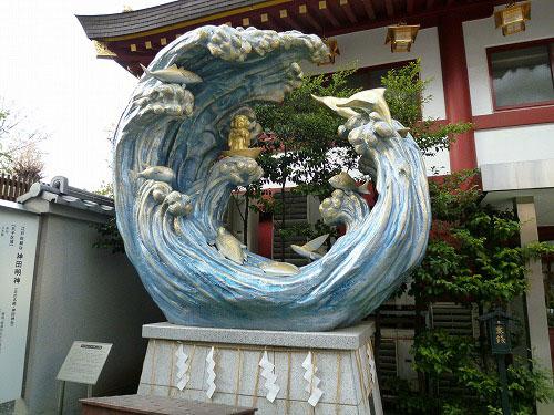 神田神社の入り口にあるオブジェ