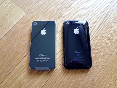 iPhone4とiPhone背面