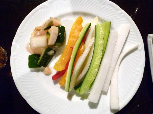 ピクルスにスティック野菜