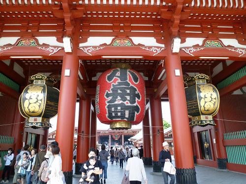 浅草寺入り口