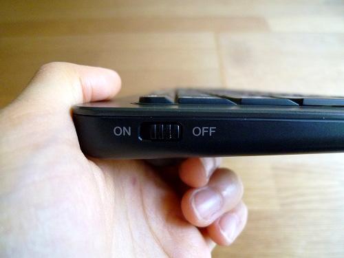 ワイヤレスキーボードのスイッチ
