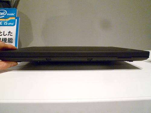 ThinkPad X220の前面の様子