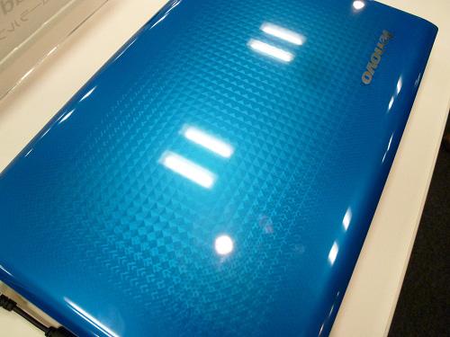 Z570コーラルブルー 天板