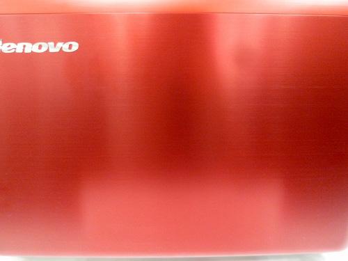 Z570メタルレッドの天板