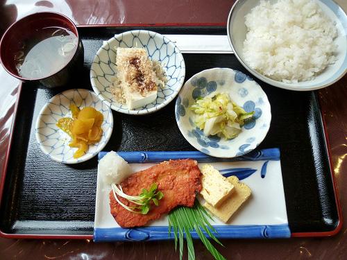 カジキマグロの味噌焼き定食