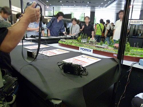 最新デジタルカメラ&ビデオカメラの展示