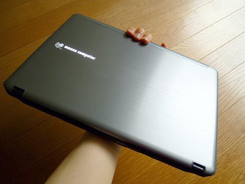 LuvBook Lを持ってみる