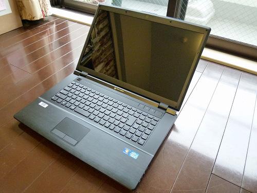 LuvBook D 筐体全体写真