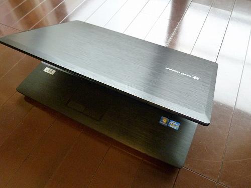 LuvBook D 筐体全体写真2