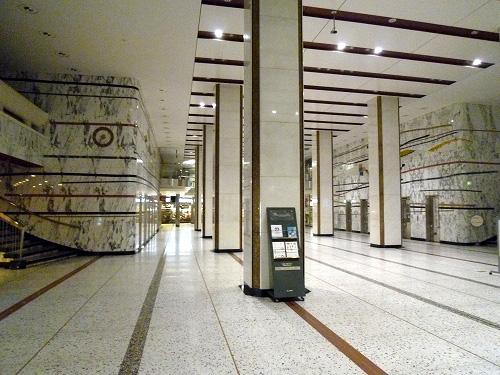 新東京ビルの屋内